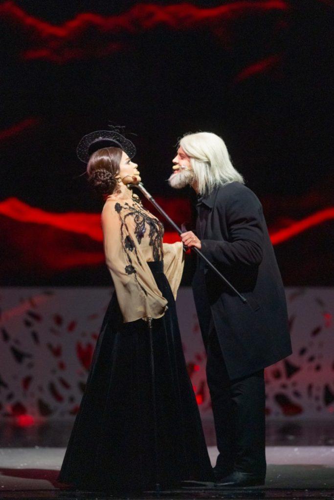 Анна Вырубова (Наталья Фаерман) и Григорий Распутин (Всеволод Макаров)